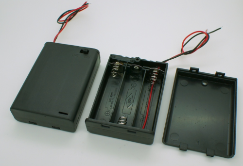 Switched Battery Box (3 x AA Batteries)